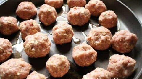 Grandma's Meatballs {The Halal Version}