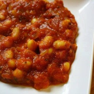 Moroccan white beans in red sauce