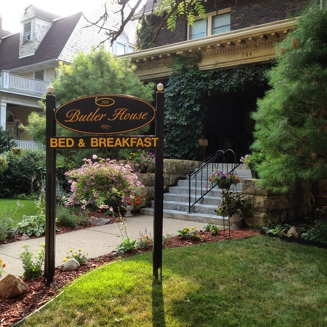 Our home for the night, a turn of the century Victorian restored #bedandbreakfast in #mankato #visitmankatomn like a #riad! watch in September as we stay in and share our #riadaofmareakech project.
