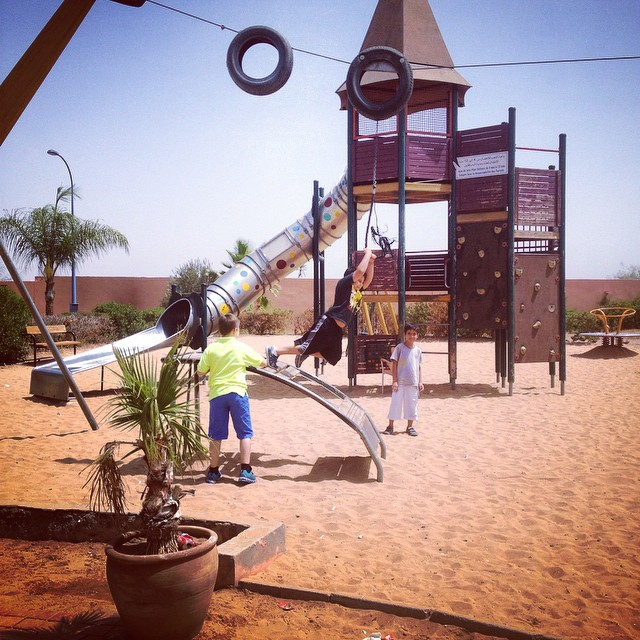 We took the kids out for lunch and to play a little bit. There aren't a lot of play areas in #morocco but surprisingly many gas stations on the edges of cities have restaurants with play areas and the food is good! #kids #travel #expatlife #playground