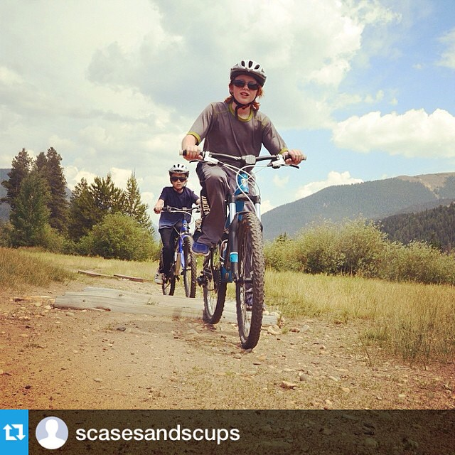 Follow my friend Jessica @scasesandscups for great travel tips and pics with kids! 