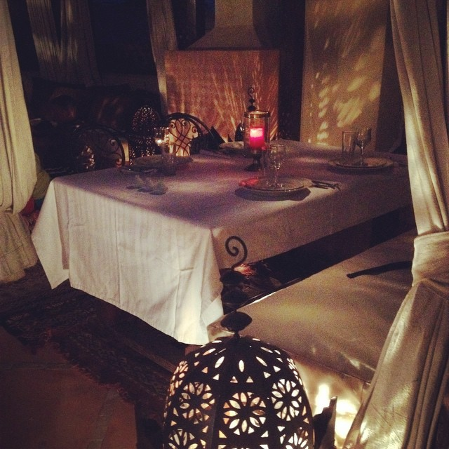 Getting ready to enjoy our rooftop dinner at @riadromman then to settle into our beautiful rooms! #Marrakech #morocco #riad #travelwithkids