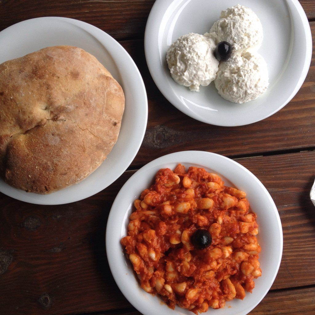 Bulgarian Beans in Tomato Sauce, Cottage Cheese and Bread