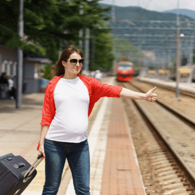These 13 Ladies Traveled While Pregnant, Should You?