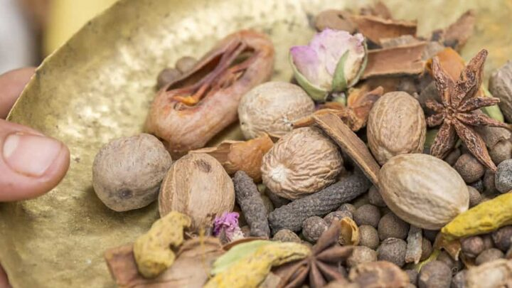How to Blend Your Own Ras el Hanout