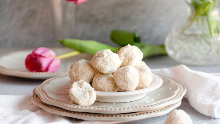 No-Bake Coconut Mimouna Cookies
