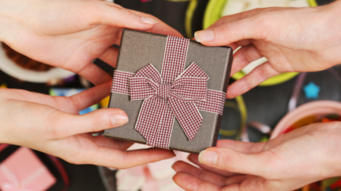 Your Step by Step Guide to Build a Great Eid Gift Box
