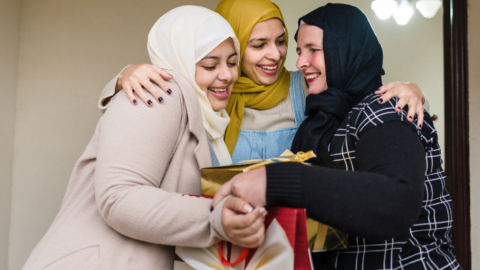 What to Give Your Muslim Friend for Eid